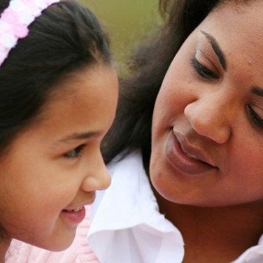 Moms With Endo: Early Detection for Daughters Is Key, Says Expert