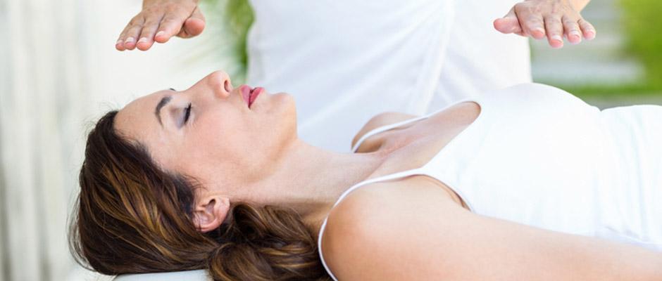 Reiki for Endometriosis: Healing Your Sacral Chakra